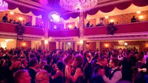 Tanz im Ballsaal