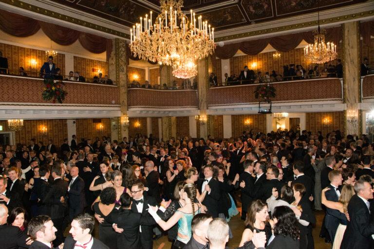 Tanz im Ballsaal © Klaus Peter Walser