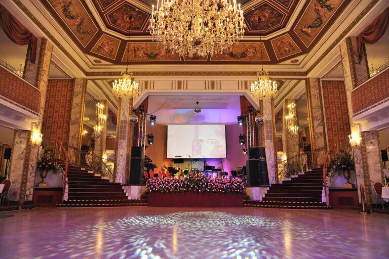 Ballsaal im Parkhotel Schönbrunn (die Ruhe vor dem Ball)