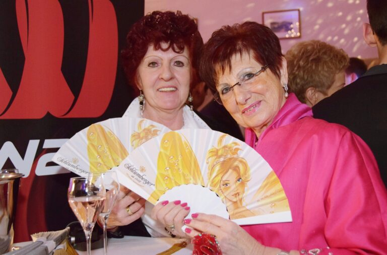 Gaby Roubinek und Margit Schnoerch